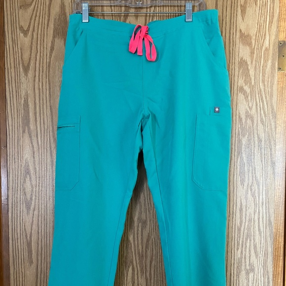 Figs Yola Scrub Pants Size Medium Petite Surgical Green